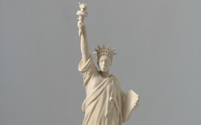 Miniature Statue of Liberty made by Fernando Sánchez Castillo